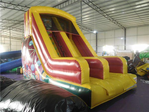 scivolo gonfiabile per bambini tema circo