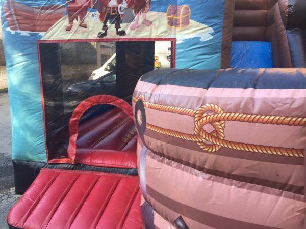 gioco gonfiabile barca pirati