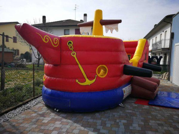 gioco nave gonfiabile per bambini