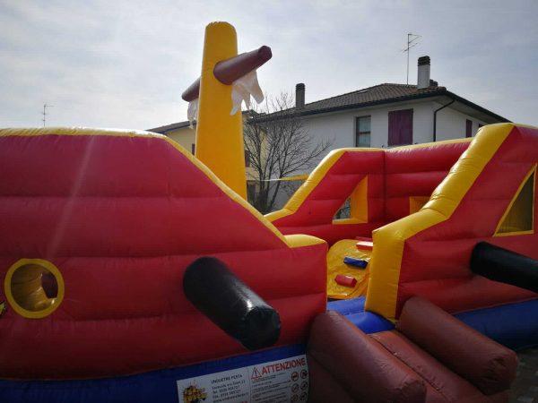nave gonfiabile per bambini